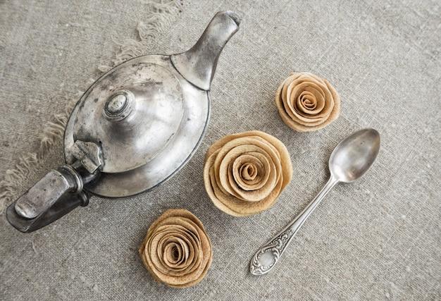 Starożytny srebrny czajniczek