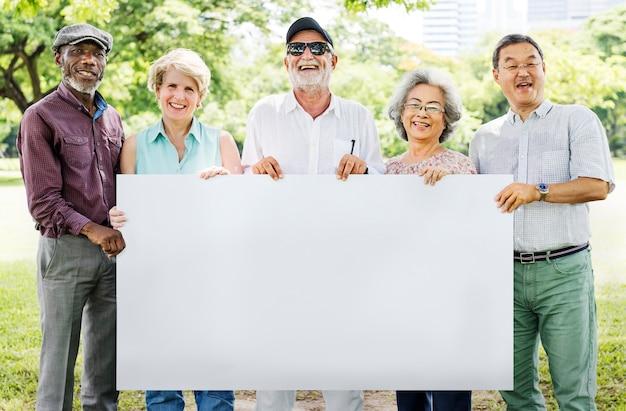 Starszy dorosły przyjaźń więzi sztandaru plakata kopii przestrzeni pojęcie