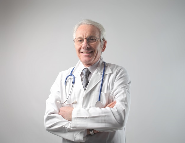 Starszy lekarz wieku