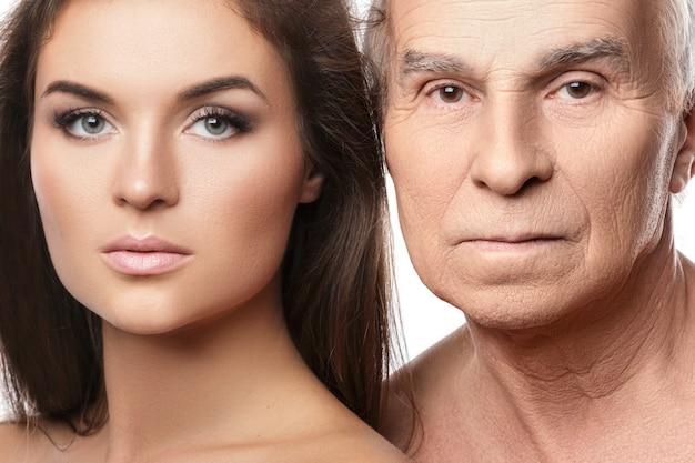 Starszy ojciec i jego piękna córka