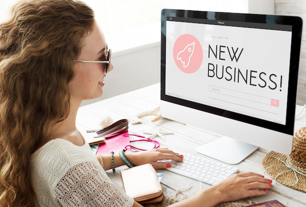 Startup business spaceship cele start concept
