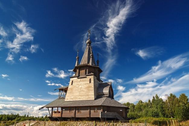 Stary cerkiew drewniany. rosja.