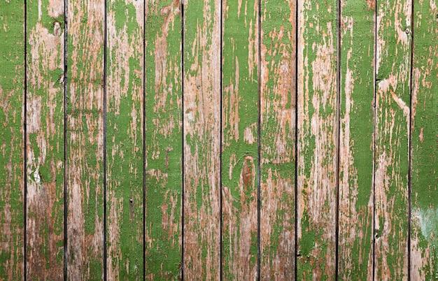 Stary drewniany tło z zielonym mech