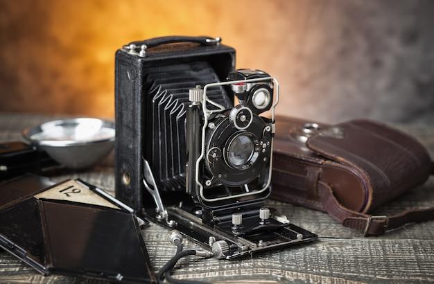Stary mechaniczny aparat fotograficzny