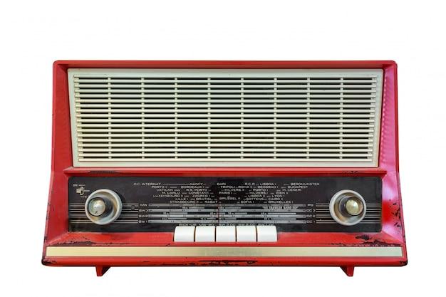 Stary radio odizolowywający na białym tle.
