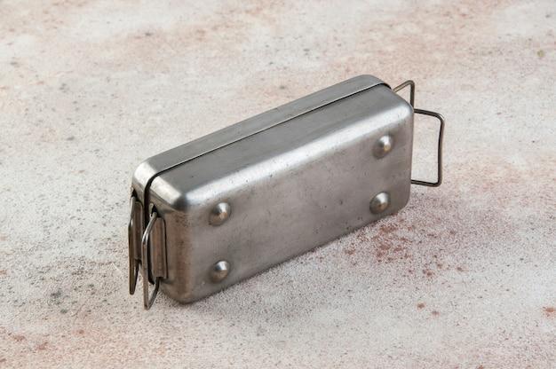 Stary radziecki sterylizator do strzykawek z mosiądzu