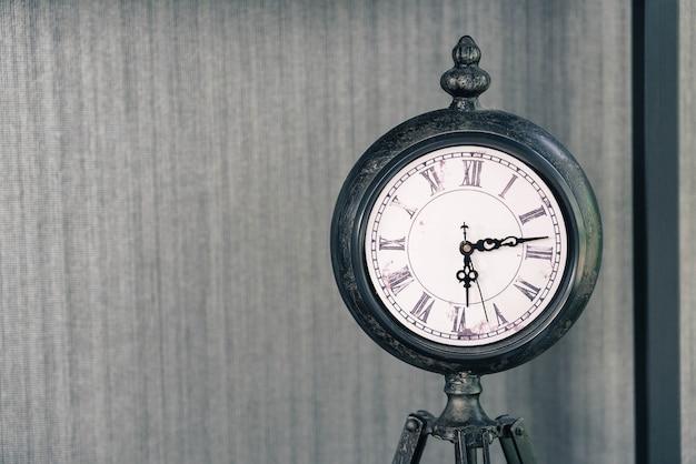 Stary zegar vintage