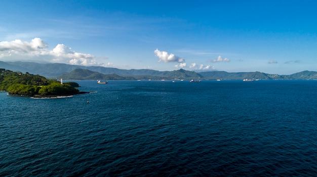 Statki wypłynęły w długą podróż z laguny.