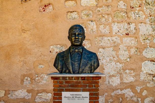 Statua francisco del rozario sanchez w santo domingo. był politykiem, bohaterem narodowym i ojcem założycielem dominikany.