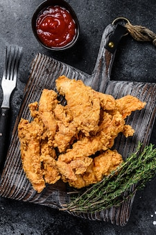 Steak fingers smażone panierowane paski z piersi kurczaka