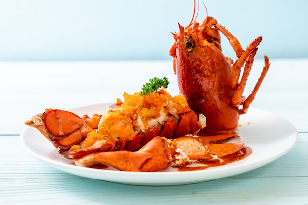 Stek z homara z sosem