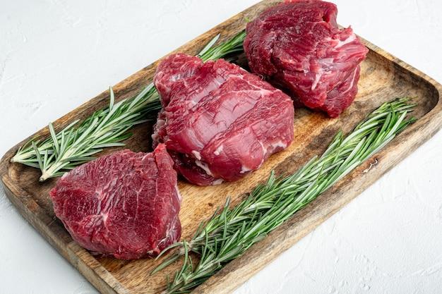 Stek z surowego mięsa wołowego zestaw filet z polędwicy mignon