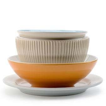 Sterta różni puchary i talerze na białym tle