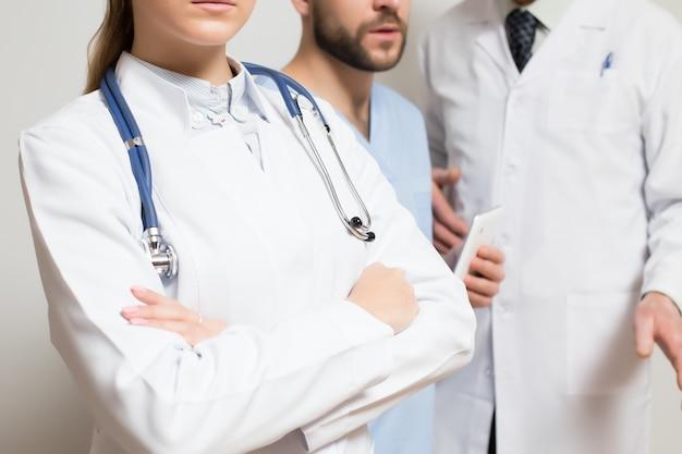 Stetoskop zdrowia lekarz zarośla stanowisko szpitala