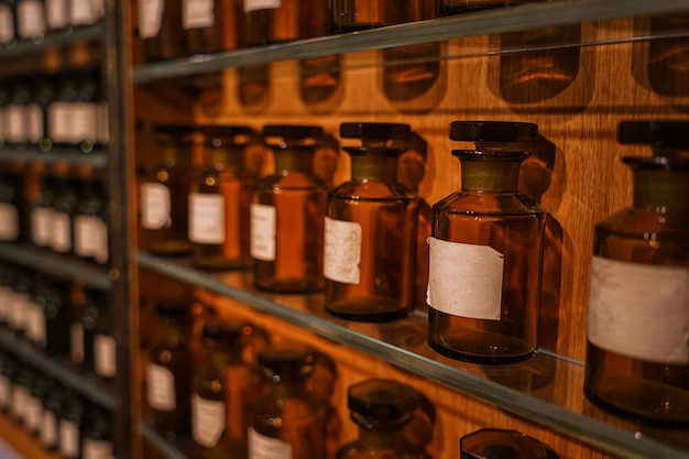 Stoisko z produktami perfumeryjnymi w luksusowym sklepie