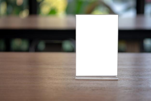 Stojak mock up menu rama namiot karta niewyraźne tło wzór klucz układ wizualny