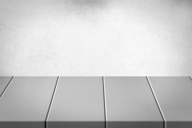 Stół z białego drewna