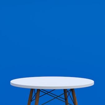 Stół z białego marmuru lub stojak na produkty do wyświetlania produktu na niebieskim tle