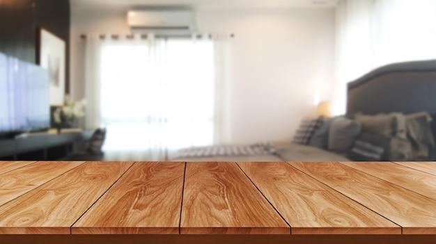 Stół z drewna w nowoczesnym wnętrzu domu z pustą przestrzenią do kopiowania na stole do wyświetlania produktów