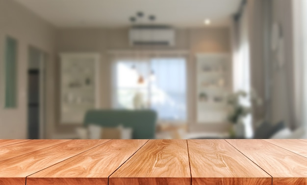 Stół z drewna w nowoczesnym wnętrzu pokoju domowego z pustą przestrzenią do kopiowania na stole do makiety wyświetlania produktu