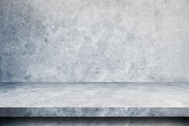 Stołowe cementowe tła podłogowe i ścienne, produkty na półkach.