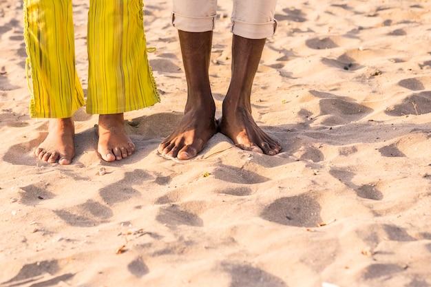 Stopy pary na plaży?
