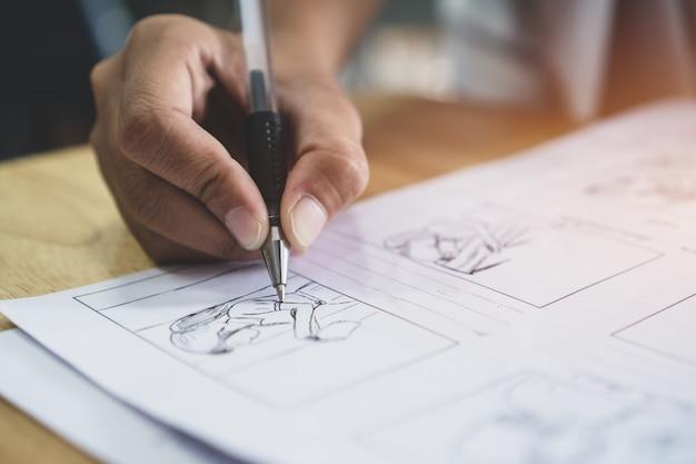 Storyboard lub storytelling - kreślenie rysunków do scenariusza filmów z pre-produkcji filmowej