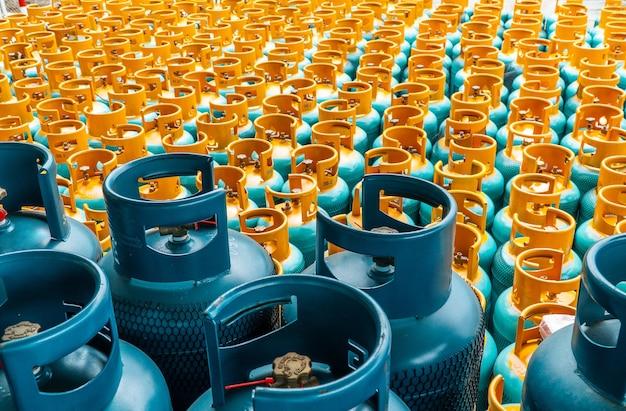 Stos butli gazowych lpg gotowy do sprzedaży