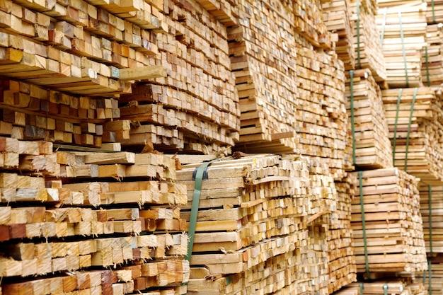 Stos drewna drewna
