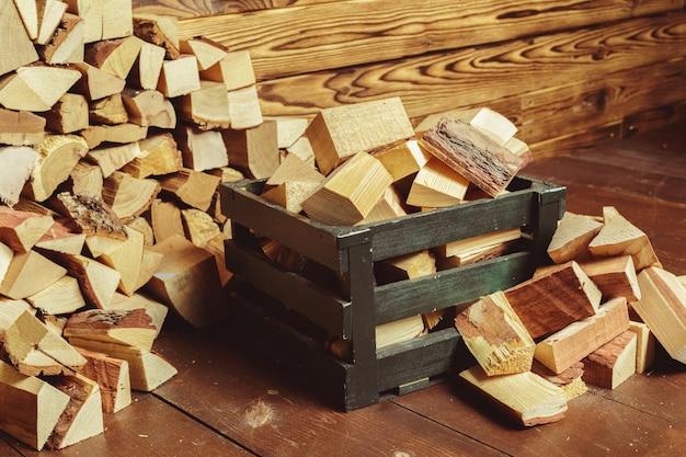 Stos drewna opałowego