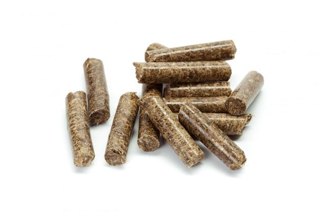 Stos drewnianych granulek na bioenergię