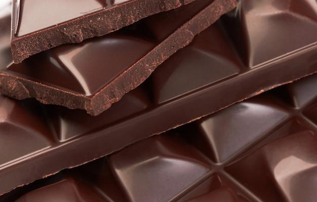 Stos kawałków czekolady