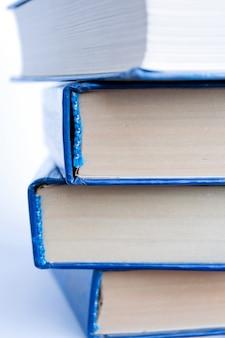 Stos książek z bliska