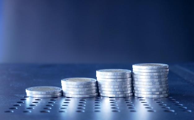 Stos monet biznesowych
