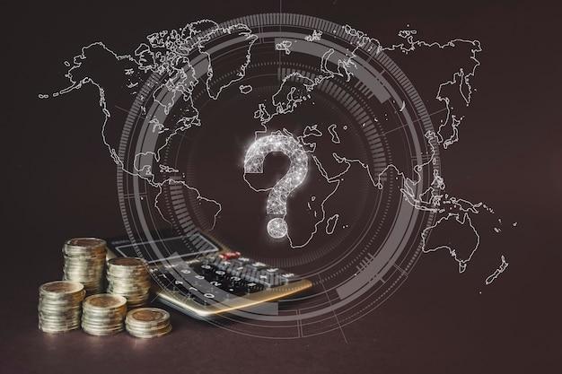 Stos monet i kalkulator i wirtualny gologram koncepcji oszczędzania pieniędzy oszczędności finansowe