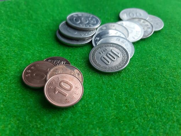 Stos monet koreańskich