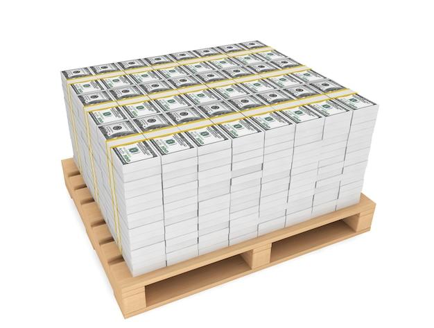 Stos pieniędzy z drewnianą paletą na białym tle