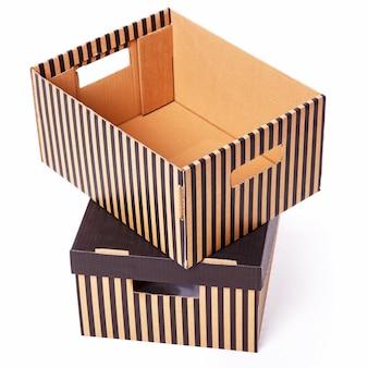 Stos pudełek w paski