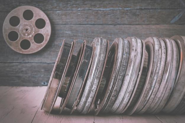 Stos starych filmów