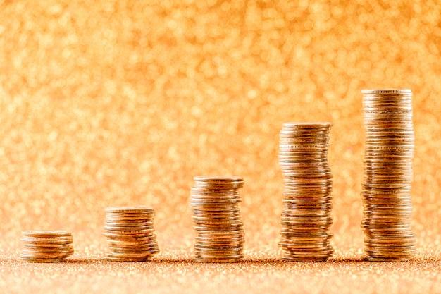 Stosy monet miedzianych