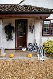 Straszne dekoracje domu na halloween