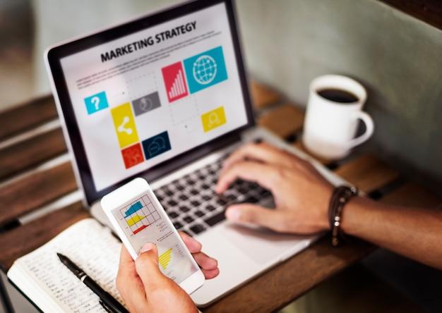 Strategia marketingowa connting cyfrowych przyrządów pojęcie