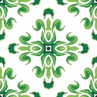Streszczenie kwiat adamaszku bezszwowe ozdobne farby akwarelowe wzór. zielona ozdoba. elegancka i luksusowa tekstura tapet, tła i wypełnienia strony