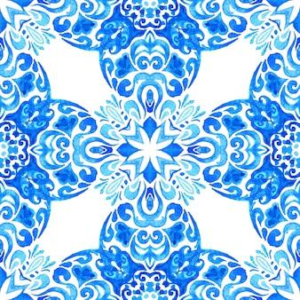 Streszczenie niebieski i biały ręcznie rysowane dachówka bezszwowe ozdobne farby akwarelowe wzór.