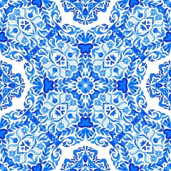 Streszczenie niebieski i biały ręcznie rysowane teksturowanej płytki bez szwu ozdobnych akwarela wzór.