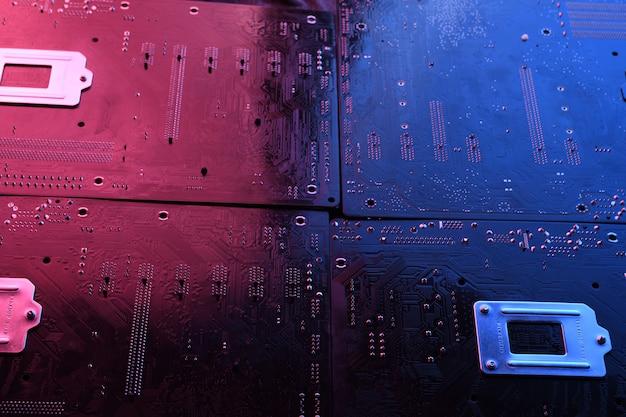 Streszczenie płytce drukowanej, linie płyty głównej komputera i tło komponenty