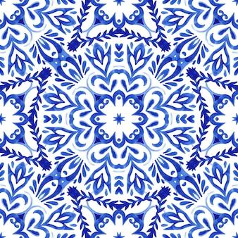Streszczenie ręcznie rysowane akwarela dachówka bezszwowe wzór ozdobnych. elegancki kwiat mandali do tkanin i tapet