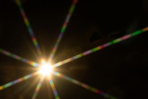 Streszczenie rozbłysk słońca. flara obiektywu podlega korekcji cyfrowej.