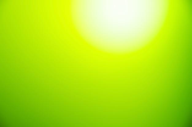 Streszczenie rozmycie gradientu światła zielony i biały miękki pastelowy kolor tła tapety.