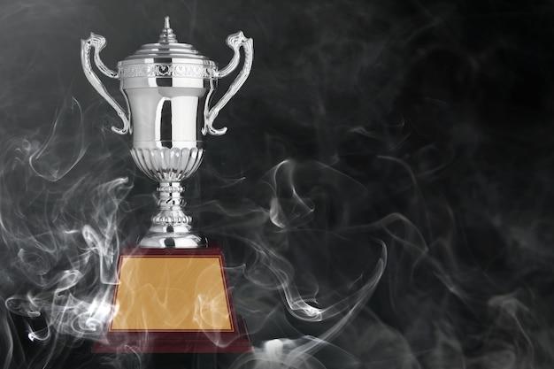 Streszczenie srebrne trofea na czarnym bacground